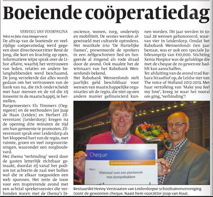 Joop van Huut en Henny Verstraaten met de cheque van het RABOBANK wensenfonds